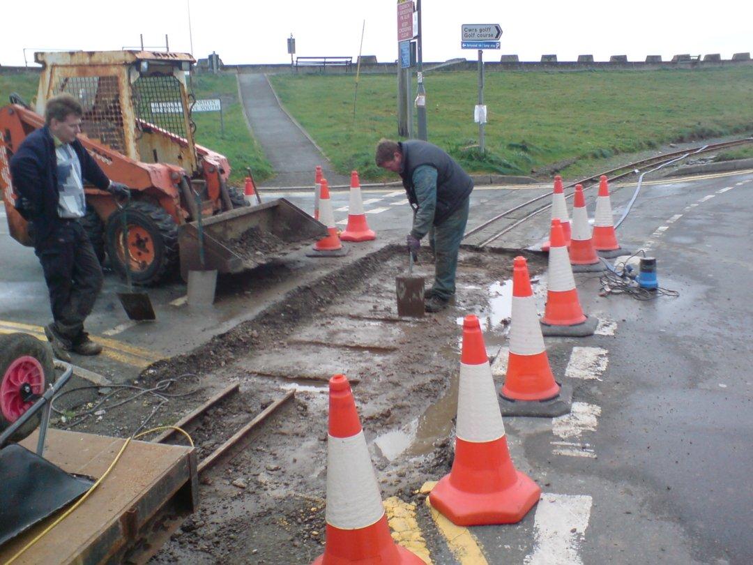 Track laying Penrhyn Corner Crossing