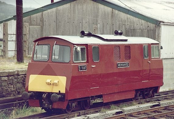 """Meirionnydd"" in old livery"