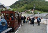 Passengers boarding at Corris Station