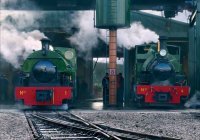Peckett & Hunslet on shed