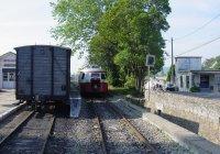 autorail arriving at Tournon